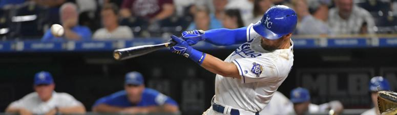 Royals crush Twins 10-3
