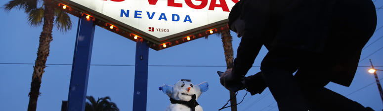 Snow in Las Vegas! Strip gets first white stuff in decade