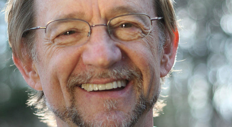 WATCH: Keyboardist and bass guitarist Peter Tork of '60s pop group The Monkees has died