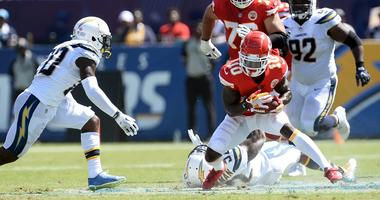 Chiefs' Hill helps Mahomes era off to fast start in victory