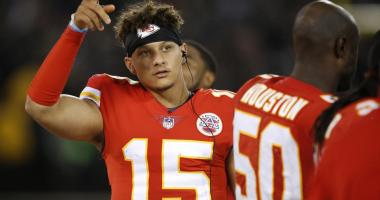 Rookie QB Mahomes to start for Chiefs in game at Denver