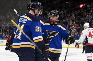 Apr 2, 2018; St. Louis, MO, USA; St. Louis Blues center Patrik Berglund (21) is congratulated by teammates after scoring a goal.