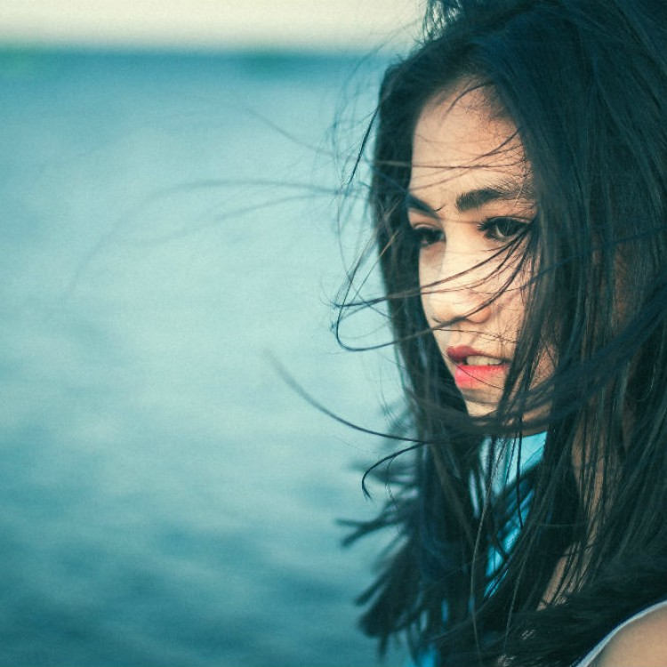 beautiful-asian-women-with-windswept-hair