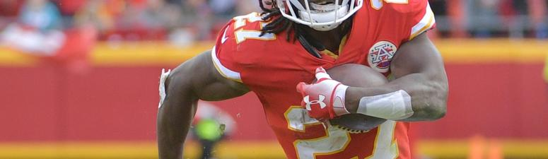 Bears Leave Open Possibility Of Signing Kareem Hunt