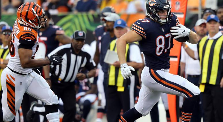 Bears tight end Adam Shaheen, right