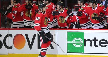Kane's Late PP Goal Lifts Blackhawks Past Bruins 3-1