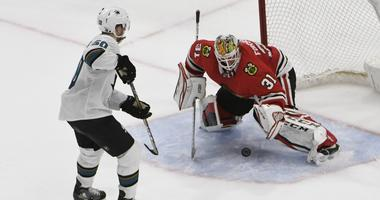 Sharks Beat Blackhawks In Shootout For 8th Straight Win