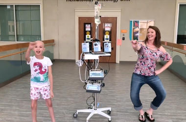 8-Year-Old with Cancer Dances Drake's 'In My Feelings' Challenge with Mom at Hospital