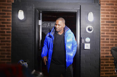 Musician R. Kelly leaves his Chicago studio
