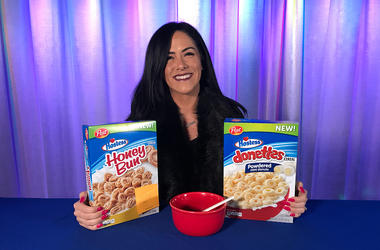 Kelly Tries Hostess Honeybun And Donettes Cereal