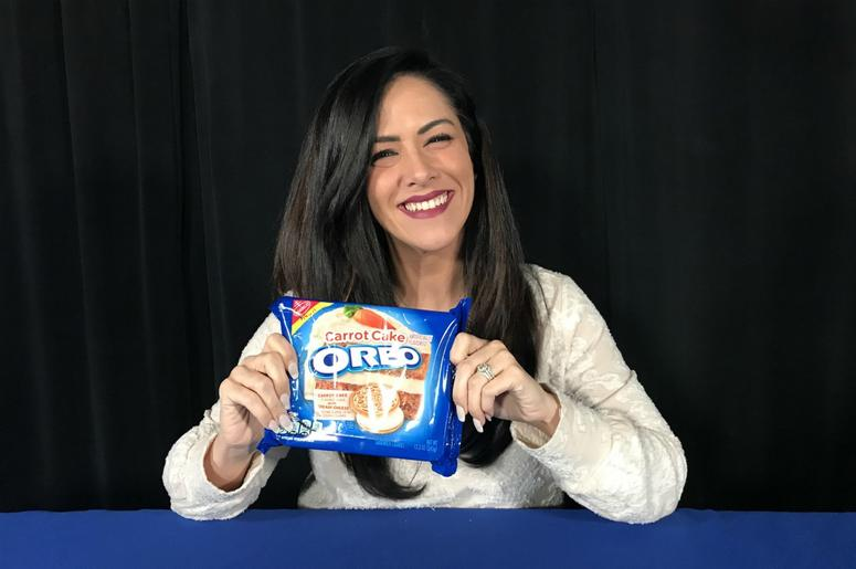 Kelly Tries Carrot Cake Oreos