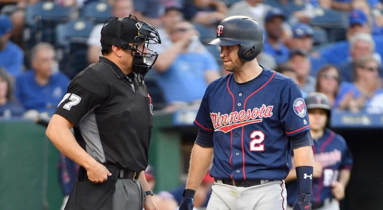 Twins second baseman Brian Dozier