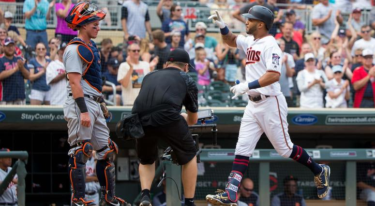 Eddie Rosario homers for the win