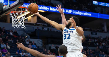 Towns has 35 points, Timberwolves beat Hornets 121-104