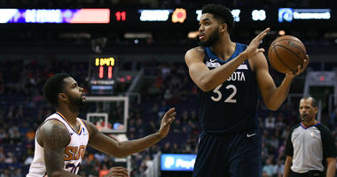 Towns, Timberwolves rout short-handed Suns 118-91