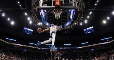 Karl-Anthony Towns to the hole