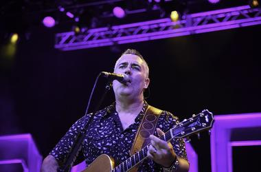 Ed Robertson of Barenaked Ladies perform