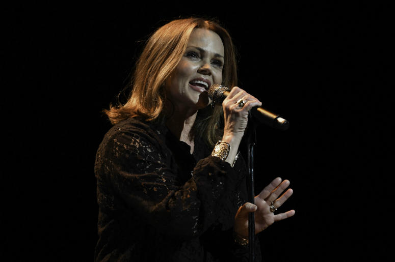Belinda Carlisle peforms at the Broward Center.