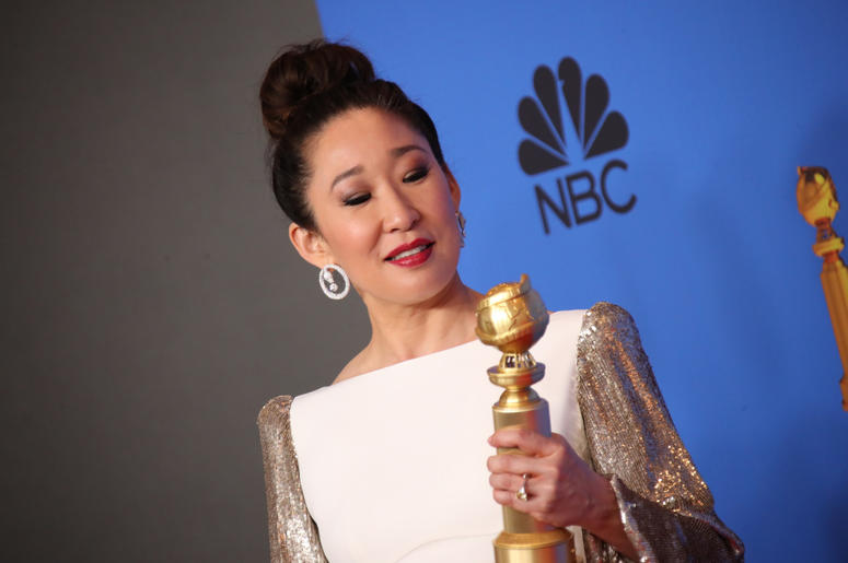 "Sandra Oh poses in the press room with the award for best performance by an actress in a television series, drama for ""Killing Eve\"" at the 76th Golden Globe Awards at the Beverly Hilton."