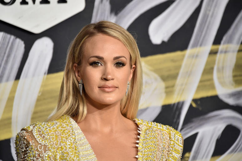 Who was carrie underwood hookup in 2019