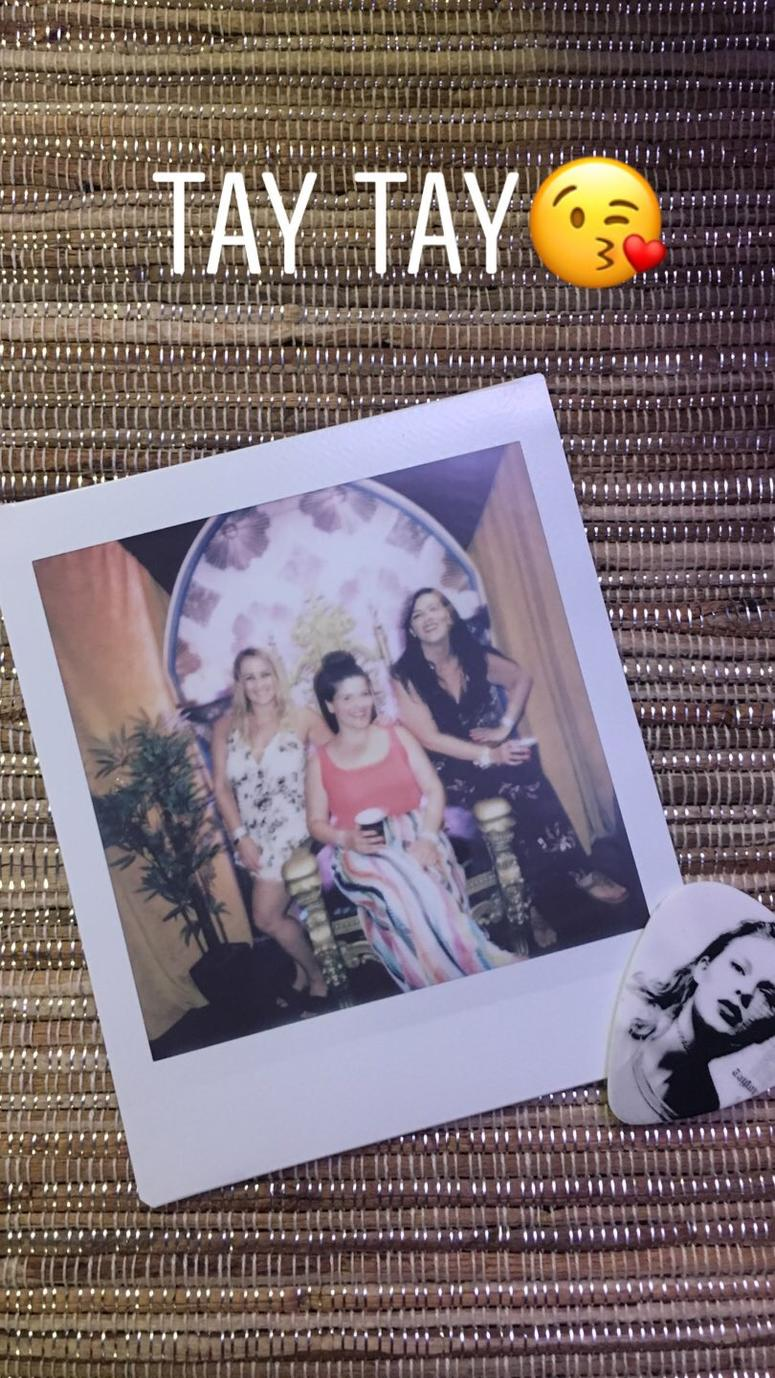 Taylor Swift Backstage - Polaroid
