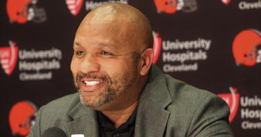 Browns head coach Hue Jackson