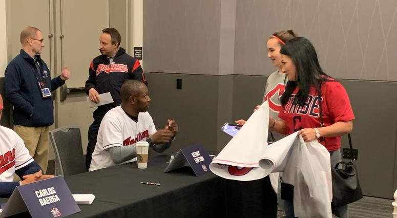 Kenny Lofton joked with fans