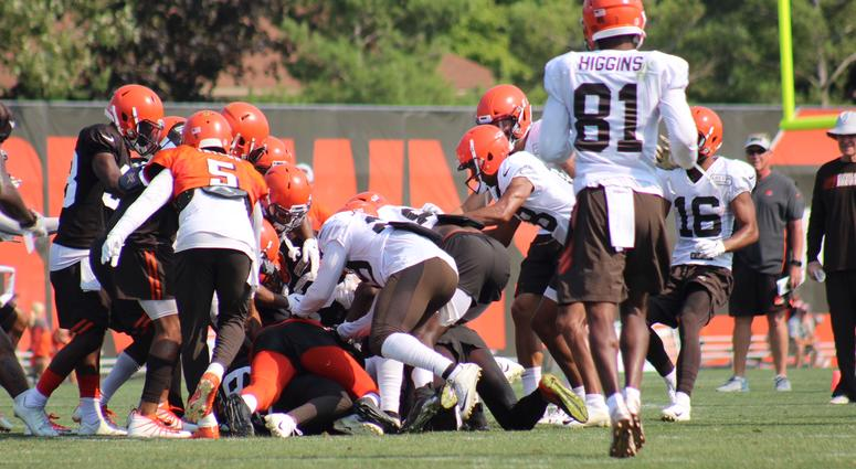 'Hard Knocks' airs tense talk with Antonio Callaway