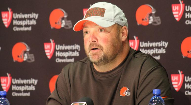 Browns pick Kitchens as new coach