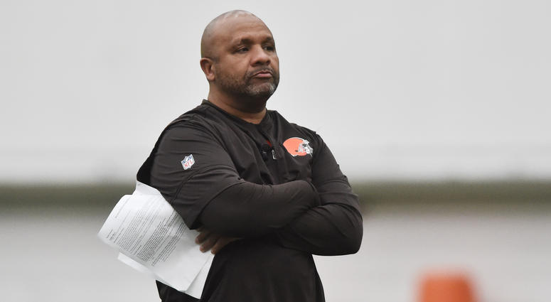 Marvin Lewis doesn't rule out a Hue Jackson return to Cincinnati