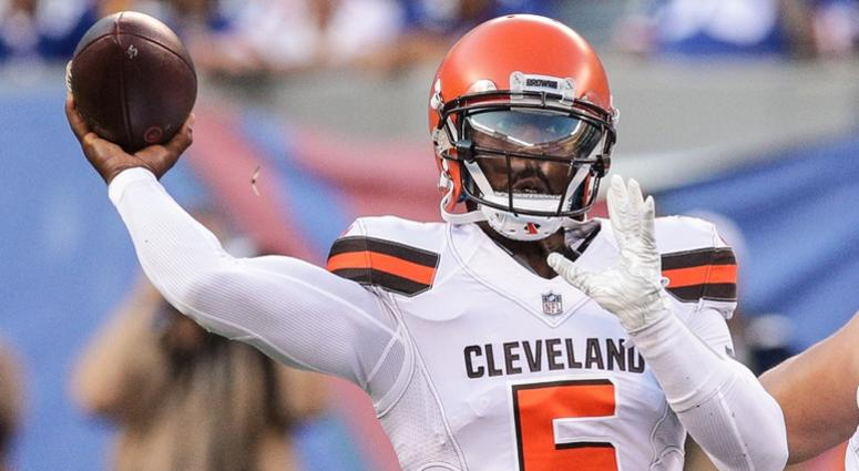 Usatsi Lowres Itok Cleveland Browns Quarterback Tyrod Taylor Cinci Throws The Ball During First Half Against