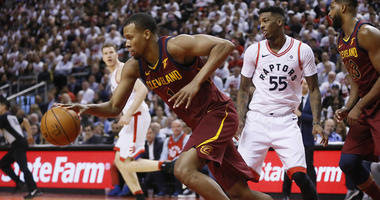 Reports: Hood accepting Cavs qualifying offer