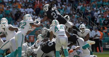 Marshawn Lynch Oakland Raiders touchdown at Miami Dolphins