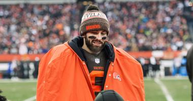 Cleveland Browns quarterback Baker Mayfield (6) talks with the team during the second half against the Cincinnati Bengals at FirstEnergy Stadium.