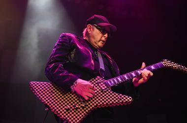 Rick Nielsen of Cheap Trick performs