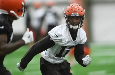 Cleveland Browns defensive back Denzel Ward (12)
