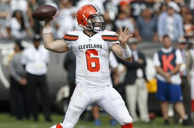 leveland Browns quarterback Baker Mayfield (6) prepares to throw a pass against the Oakland Raiders in the fourth quarter at Oakland Coliseum.