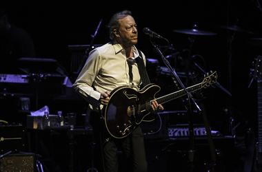 Boz Scaggs performs