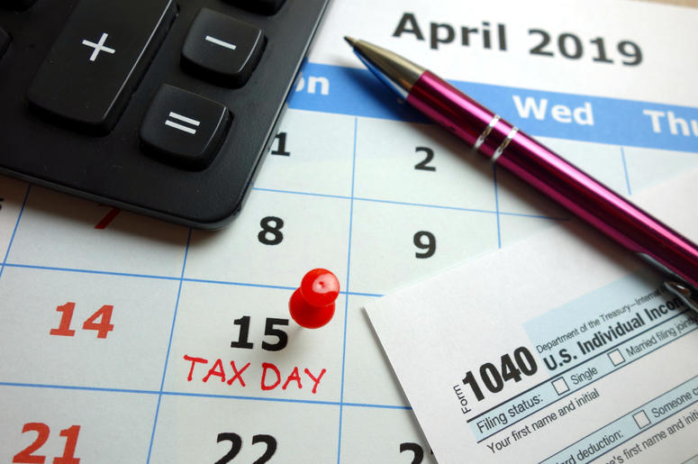 Tax day marked on April 2019 monthly calendar