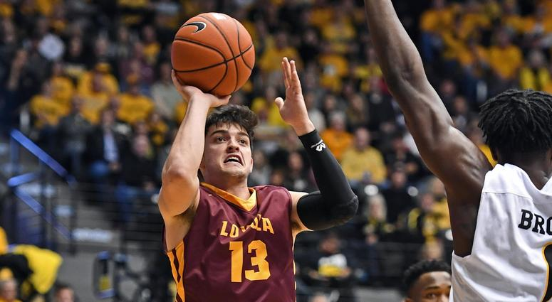 Loyola guard Clayton Custer