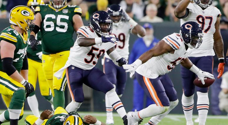 Bears linebacker Khalil Mack (52) reacts after recovering a fumble by Packers quarterback DeShone Kizer.