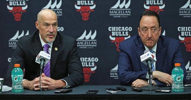 Bulls executives John Paxson, left, and Gar Forman