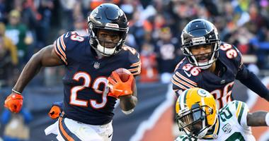 Bears running back Tarik Cohen (29)