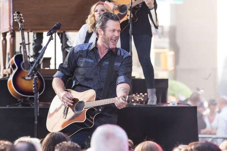 Blake Shelton performing at Rockefeller Plaza