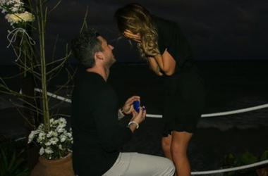 Michael Ray proposes to Carly Pearce
