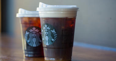 Starbucks news strawless lids
