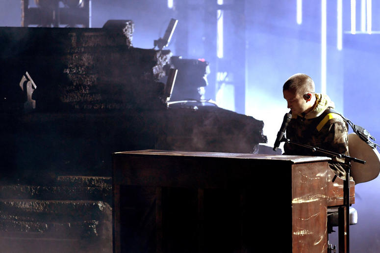 Tyler Joseph of Twenty One Pilots performs onstage during the 2018 American Music Awards