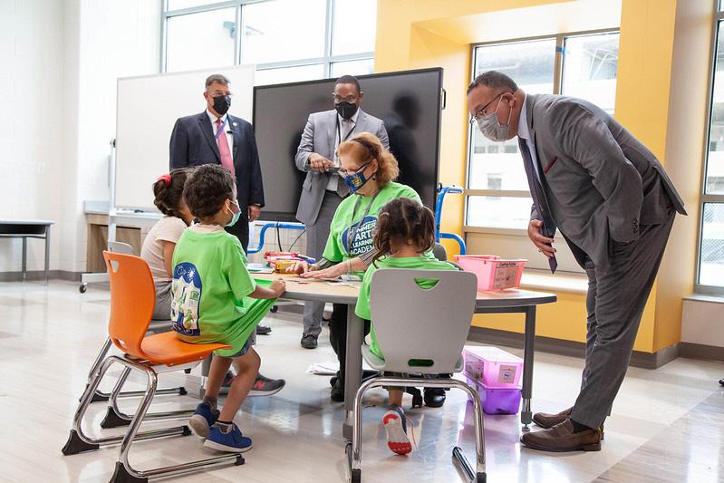 Secretary of Education Visits SALA