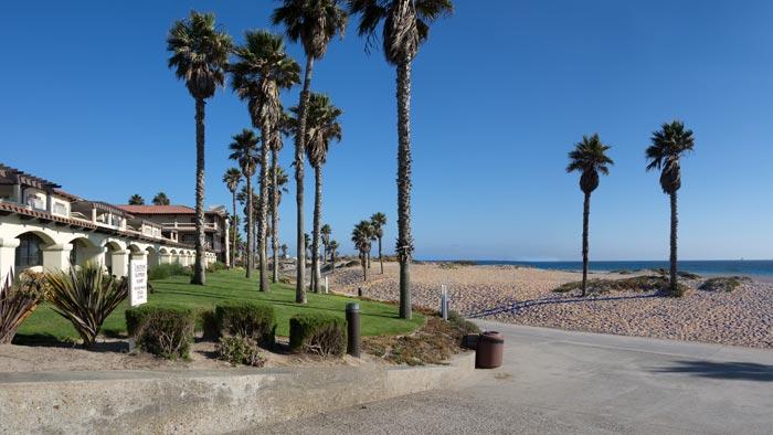 Oxnard, CA | The temperature rarely deviates from 60.8°F
