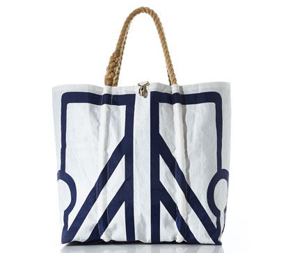 Next Auction Tote
